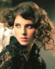 acconciature per occasioni speciali – updo for curly hair