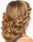 capelli raccolti - hairdo with roses