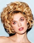 tagli alla moda - short vintage hair with curls