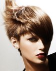 tagli corti - hairstyle with spikes