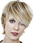 nuove acconciature - short haircut with a long fringe