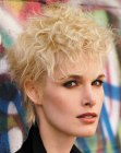 acconciature corte – neo-punk hairstyle