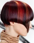 acconciature corte – short nape and hair color streaks