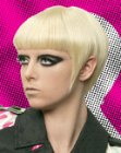 tagli per capelli corti - angular short hairstyle with sideburns