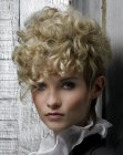 capelli corti - short hair with curls