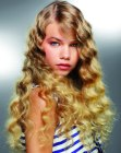tagli di capelli lunghi - long hair styled with ripples