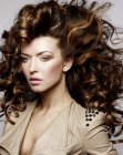 tagli per capelli lunghi - long hair with much volume