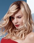 tagli lunghi - hairstyle with twisted bangs