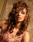 tagli lunghi - romantic hair with curls