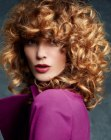 tagli lunghi - hand tousled curls