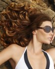 capelli lunghi - brown hair with highlights