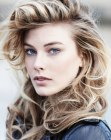 capelli lunghi - casual curly hair