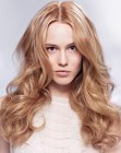 capelli lunghi - hair color with a play of light and shadows
