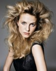 tagli per capelli lunghi - high-volume styling for long hair