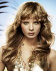 tagli per capelli lunghi - graceful waves and curls