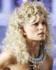 tagli moderni - curly blonde hair