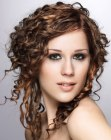 tagli moderni - cork-screw curls