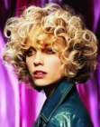 capelli medi – bouncy blonde curls