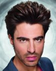 acconciature per uomini - mens hair curved towards the back